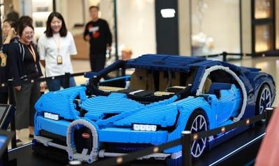 出発準備完了!? レゴ23万個でできたスーパーカー「ブガッティ・シロン」
