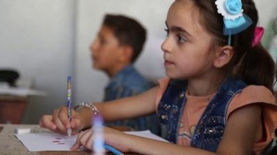 動画:イドリブの学校に再び児童らの姿、政府軍とロシアの脅威下で