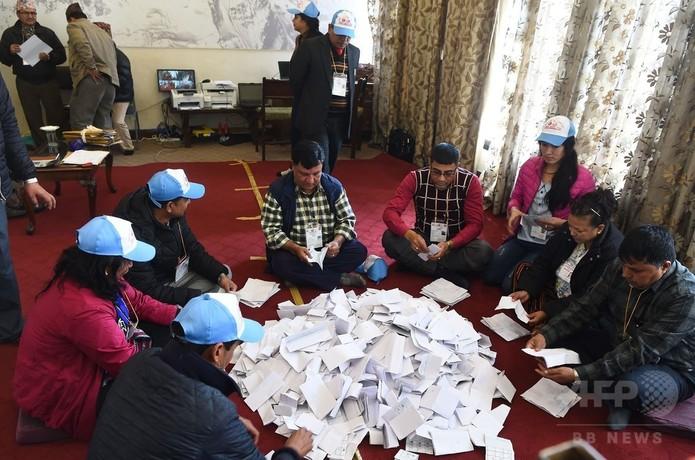 新憲法下初のネパール下院選、毛...