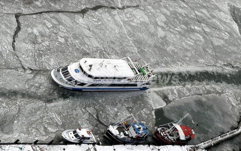 欧州の寒波による死者13人に、交通まひ 停電や事故も
