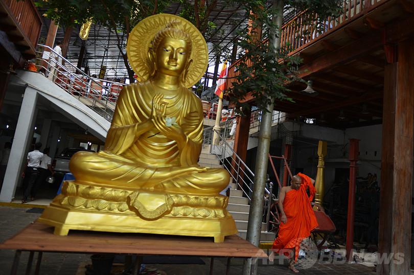 スリランカ中銀総裁、硬貨不足で寺院にハイテク対応を呼び掛け