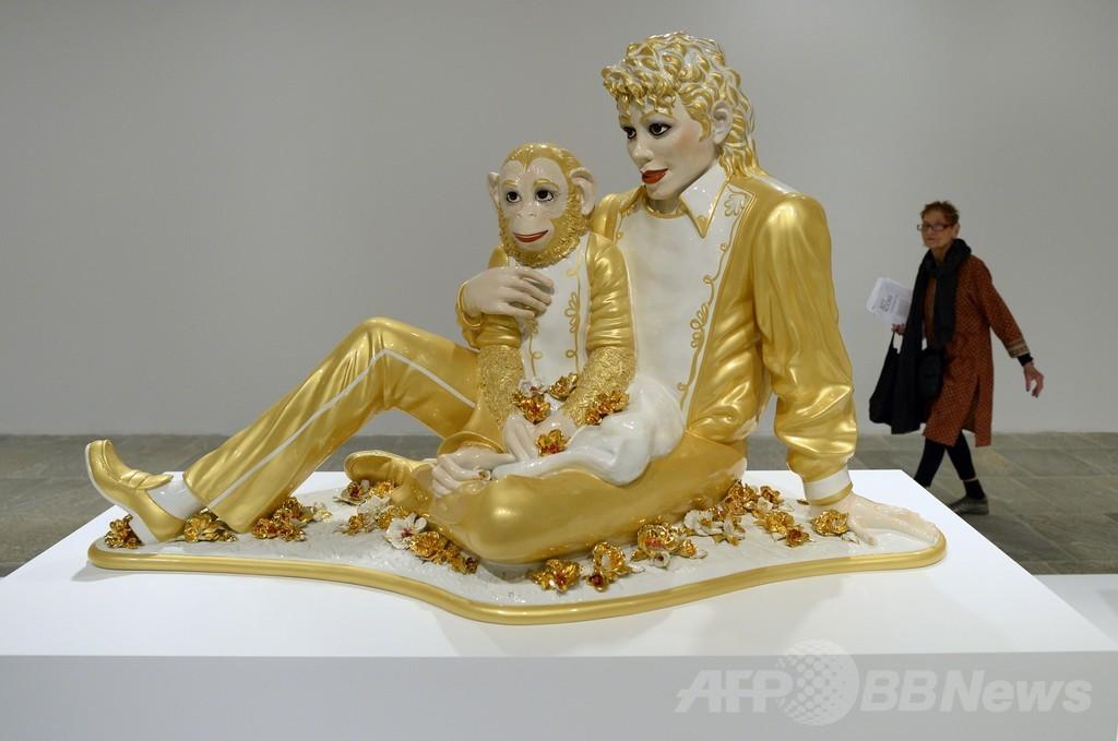 現代芸術の巨匠クーンズの回顧展、米ホイットニー美術館で開催