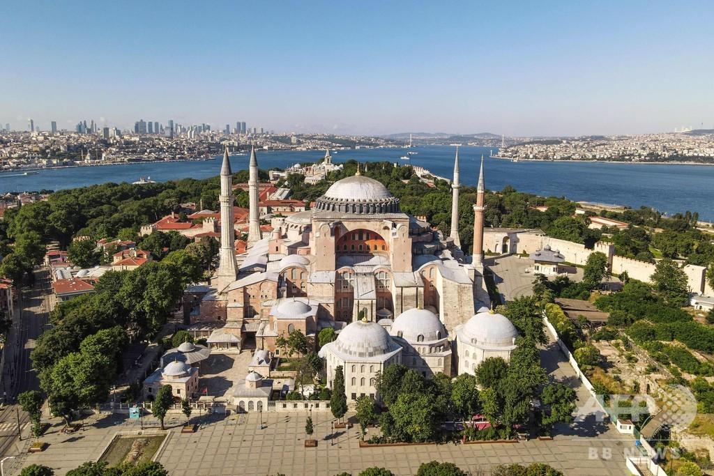 トルコ、アヤソフィアをモスクに キリスト教界など反発