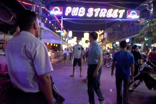 小児性愛者の摘発に大きな役割、カンボジアの民間捜査員