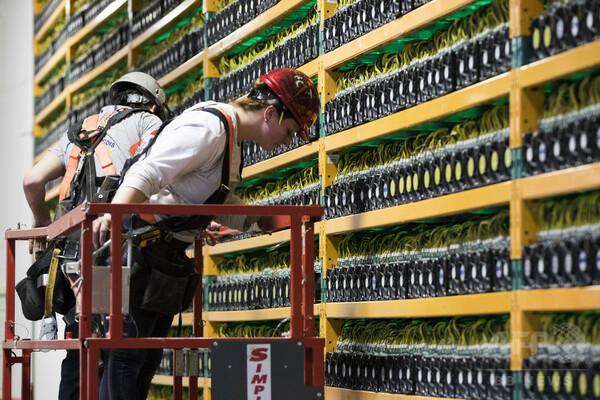 ビットコイン企業の流入ラッシュに懸念、カナダ・ケベック州