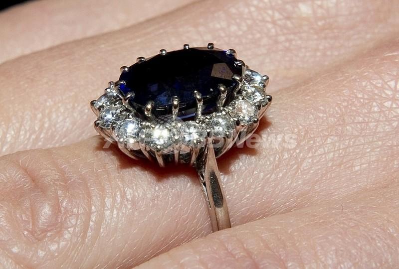 「ケイトさんの婚約指輪」、中国なら250円で買えます