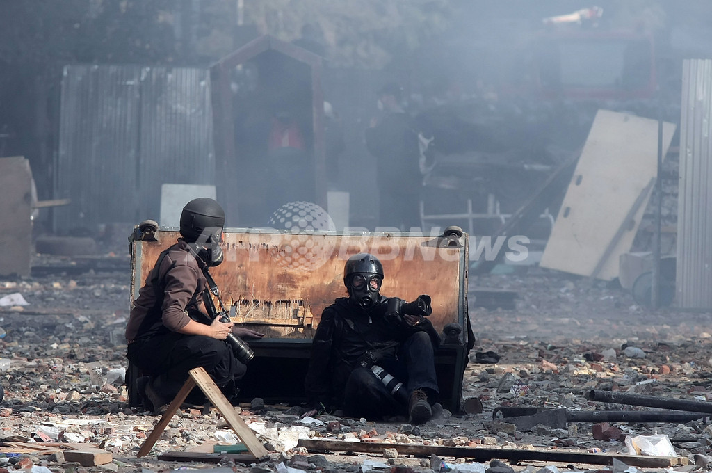 エジプトの民政要求デモが5日目、早期の民政移行宣言でも収束せず