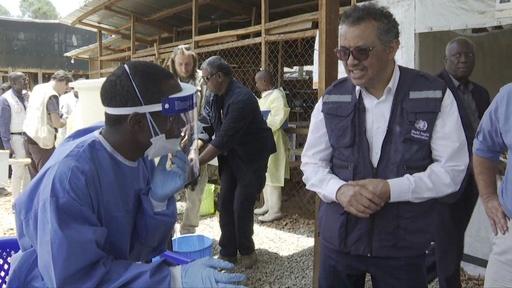 動画:武装集団がエボラ治療センター襲撃、警察官1人死亡 コンゴ民主共和国