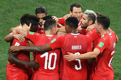 スイス、16強入り決めるも次戦は主将が出場停止に