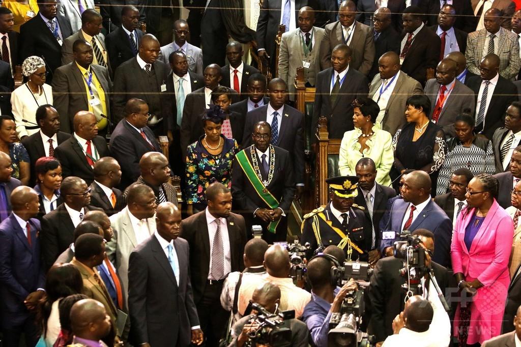 ジンバブエ大統領、8月と同じ25分の演説繰り返す
