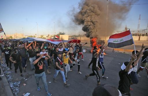 イラクの大規模デモ5日目、死者数が100人近くに