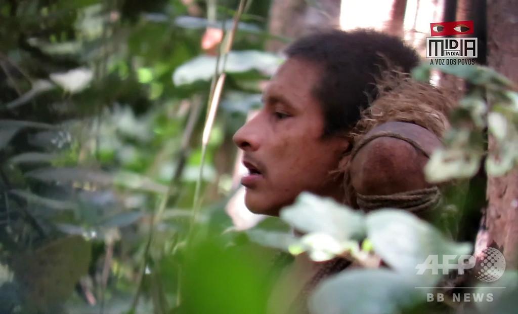 ブラジル先住民の貴重映像公開、ボルソナロ政権下の伐採で絶滅の危機