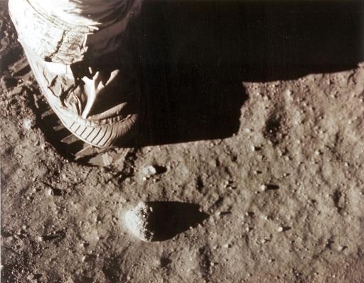 世界をくぎ付けにした「一歩」の中継、アポロ月面着陸から50年