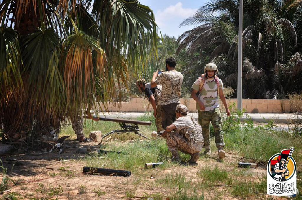 米軍、リビア・シルトのIS拠点を初空爆 戦車など破壊