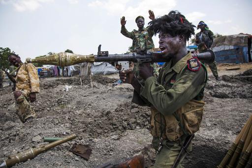 南スーダンで激しい戦闘 反政府勢力56人、政府軍4人が死亡
