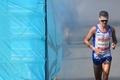 マラソン独走選手が酷暑で倒れ救急搬送、対応に批判の声も 英連邦大会