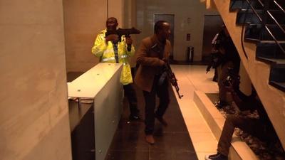 動画:ナイロビでホテル襲撃、5人死亡 過激派が犯行声明