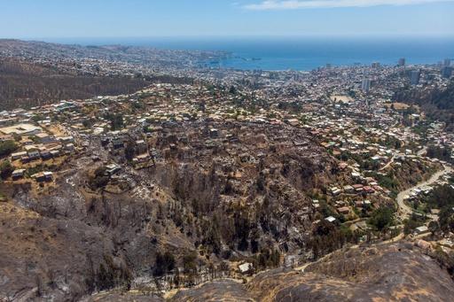 クリスマス・イブに森林火災、家屋約200棟に被害 チリ・バルパライソ