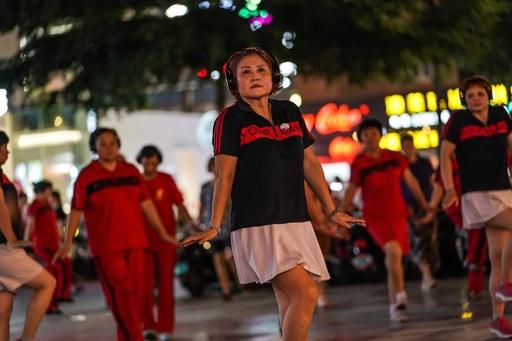 「サイレントモード」の広場ダンスに「いいね!」 中国・広西