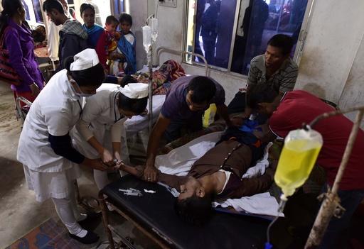 インドでまた密造酒被害 93人死亡、200人が病院へ搬送