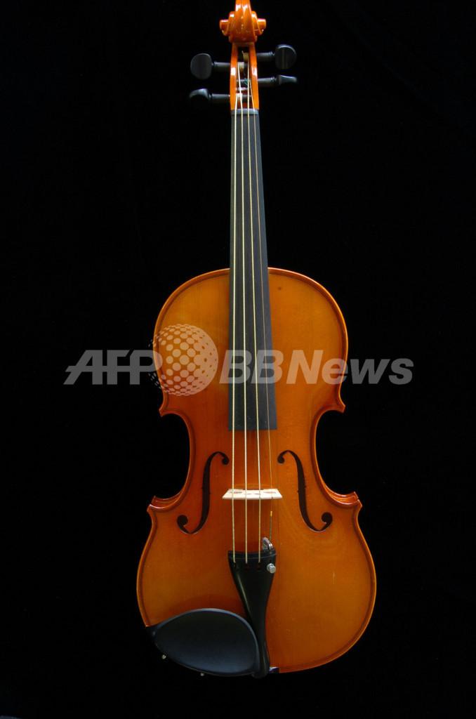 クモの糸からバイオリンの弦、奈良県立医大教授が作製