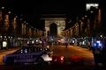 シャンゼリゼ通りで銃撃、警官3人死傷 ISが犯行声明、仏パリ