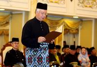 マレーシア、ナジブ副首相が新首相に就任