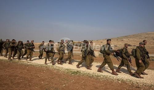 イスラエル軍、「臭くならない靴下」を歩兵に支給へ