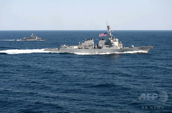 米中海軍トップがテレビ会談、南シナ海めぐる緊張の中