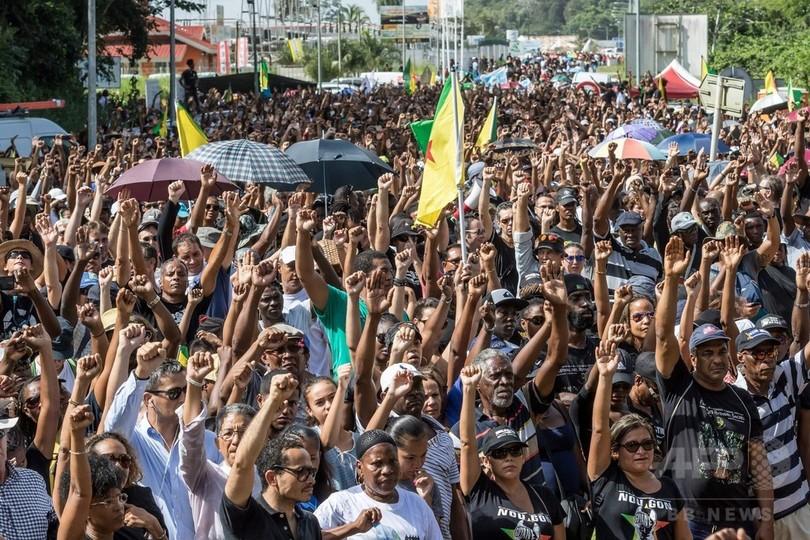 ロケット打ち上げても地元住民に照明なし、仏領ギアナでストとデモ