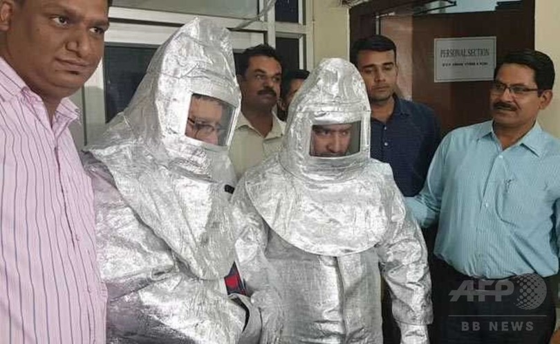 NASAにも売れる?「宇宙服」詐欺で親子を逮捕、インド