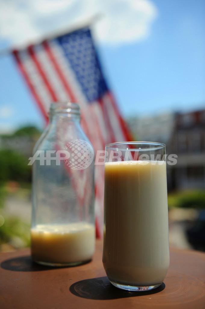 「生乳」は万病に効く? 米国で違法販売横行