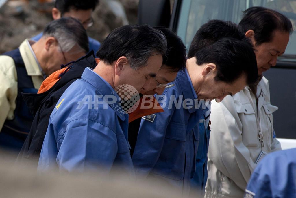 首相、被災地の陸前高田市を視察