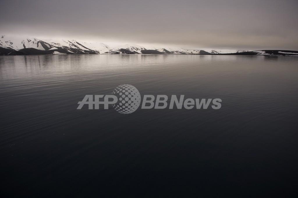 122人を乗せたクルーズ船、南極海で座礁