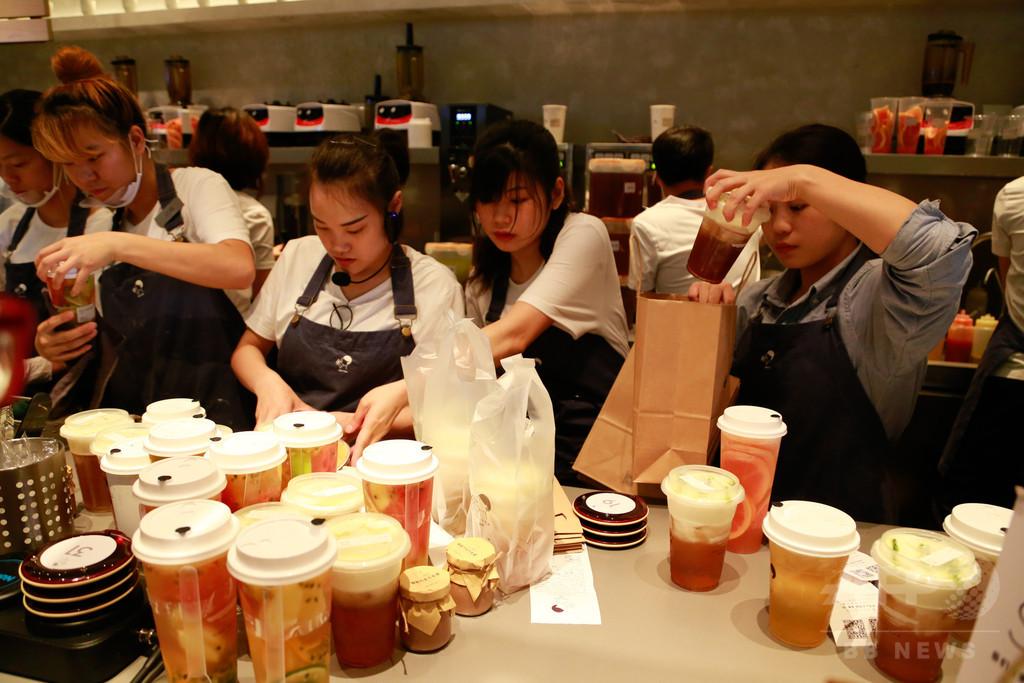 中国で大人気、「岩塩チーズティー」に行列2時間 ダフ屋行為も横行