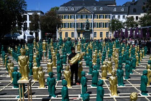 ベートーベン700体、生誕250年祝い展示 独