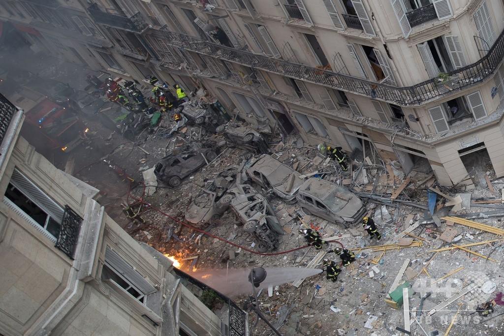 仏パリのパン店爆発、がれきの中から女性の遺体発見 死者4人に
