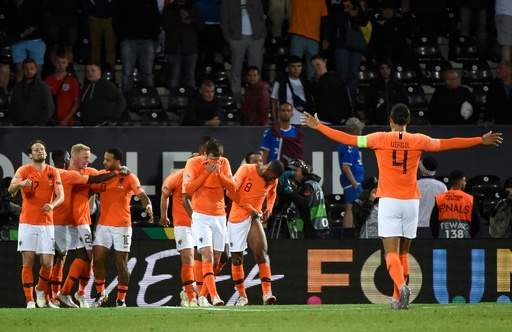 オランダが欧州NL決勝へ、イングランドのミスに乗じ延長戦を制す