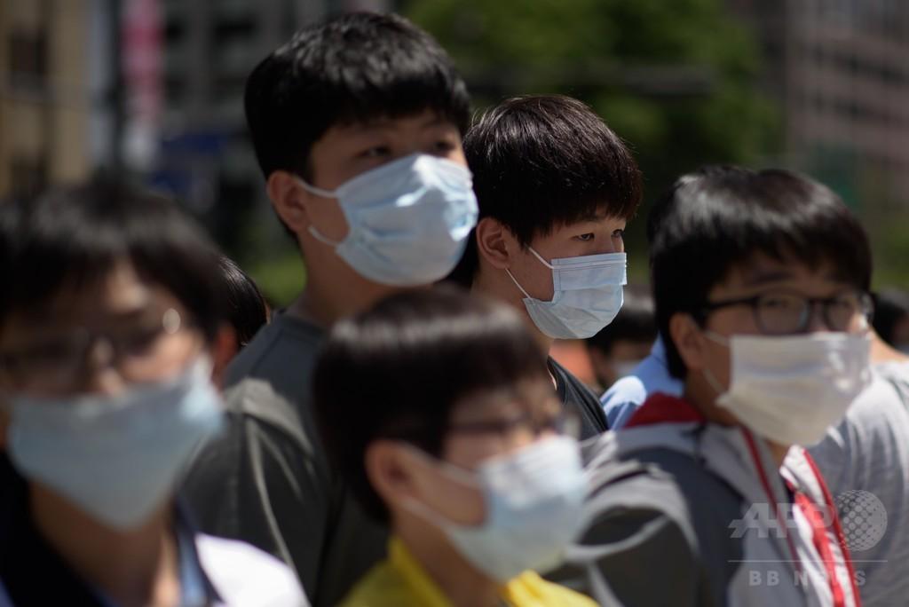 韓国でMERS感染拡大続く、200校閉鎖 隔離1300人超