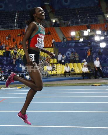 ケニアのチェモスが女子3000m障...