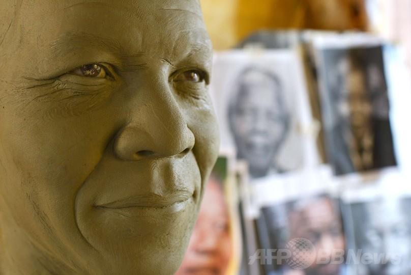 故マンデラ氏のろう人形、ローマで制作・展示へ