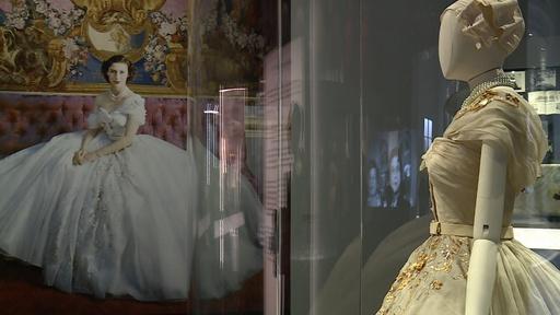 動画:「クリスチャン・ディオール、夢のクチュリエ」展、英V&A博物館で開催