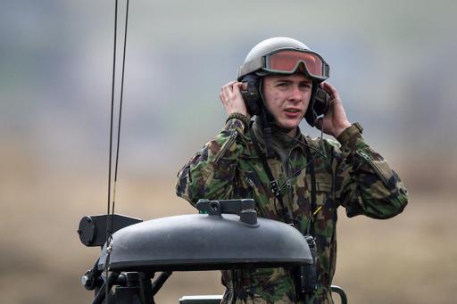 スイス陸軍訓練校、激しい嘔吐などで新兵ら救急搬送 原因不明