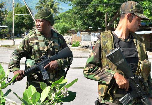 反政府勢力と銃撃戦、死傷者7人 - 東ティモール