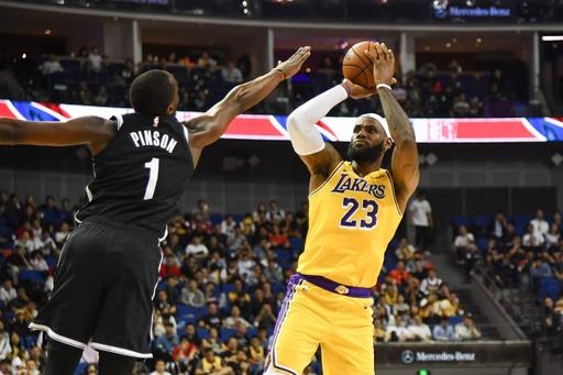 NBAプレシーズン戦、中国で無事開催 ファンはスター選手に歓声