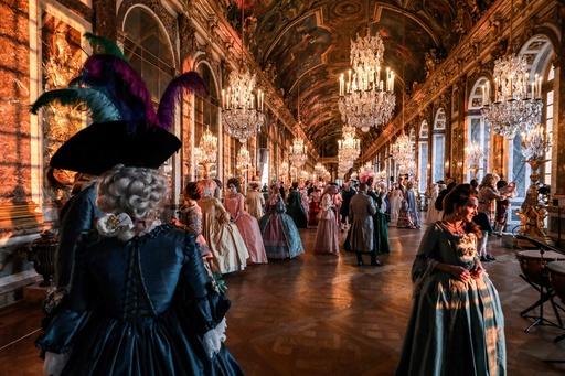 気分はバロック時代の貴婦人? ベルサイユ宮殿で舞踏会