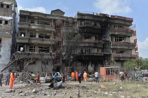 副大統領候補の事務所襲撃で20人死亡、アフガニスタン大統領選初日