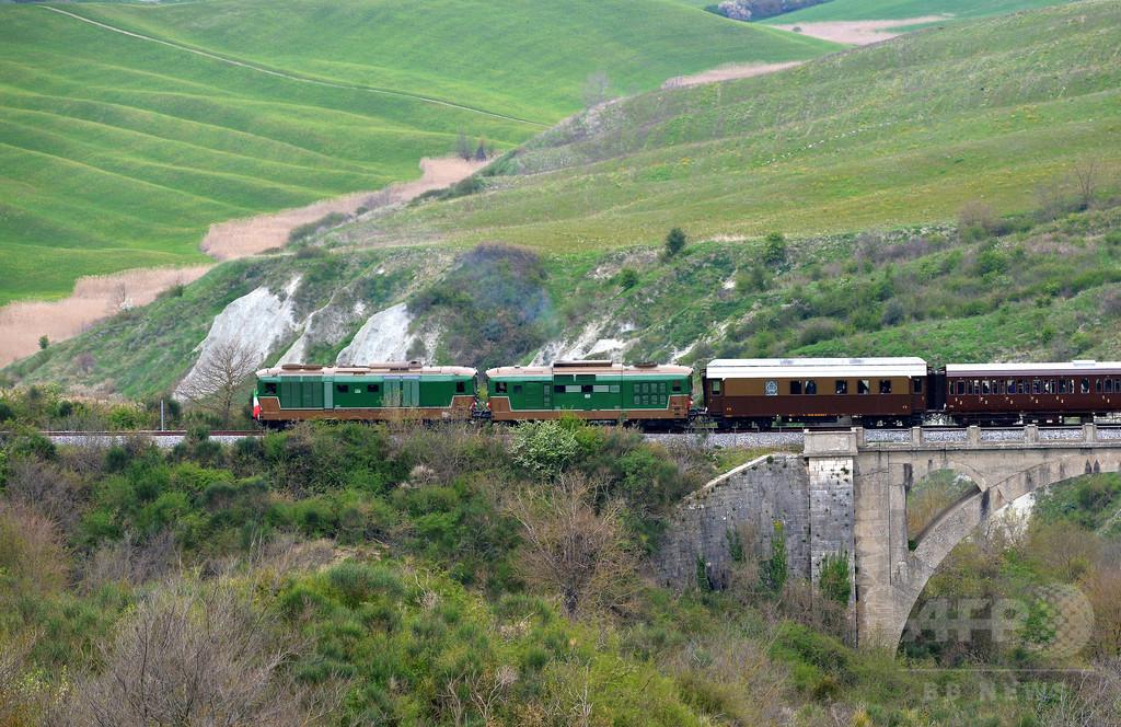 蒸気機関車でめぐるイタリア、「スローツーリズム」で観光客誘致