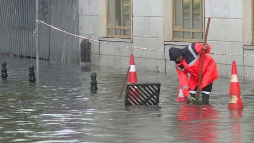 動画:トルコ・イスタンブールで豪雨、1人死亡 グランドバザールも浸水