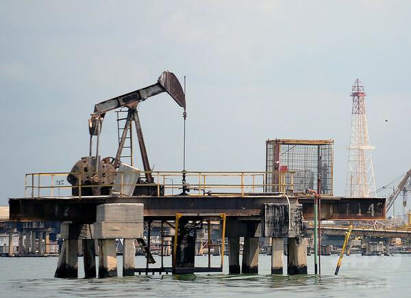 ベネズエラ、原油価格表示を人民元に